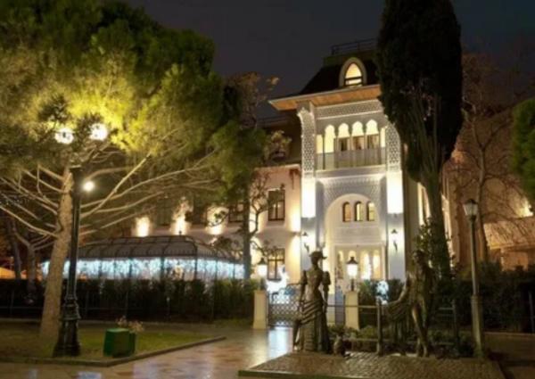 Сын Софии Ротару продает семейную гостиницу в Крыму