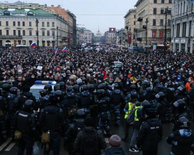 Россиянам запрещают работать на оппозицию
