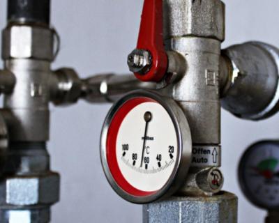 Губернатор Севастополя приказал навести порядок в системе начисления платы за отопление общедомового имущества