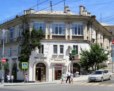 Кто в Севастополе отвечает за безопасность пешеходов на тротуаре?