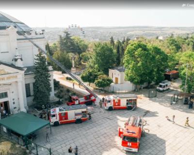 В знаменитом севастопольском музее «Панорама» тушили пожар и спасали людей