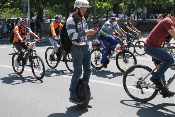 Тысячная велоколонна прокатилась по центру Севастополя 29