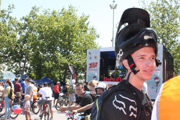 Тысячная велоколонна прокатилась по центру Севастополя 21