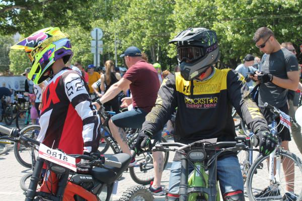 Тысячная велоколонна прокатилась по центру Севастополя 20