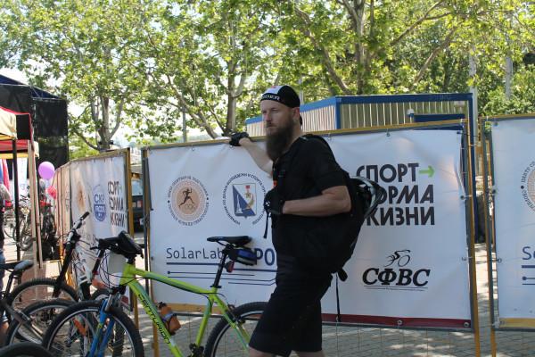 Тысячная велоколонна прокатилась по центру Севастополя 17