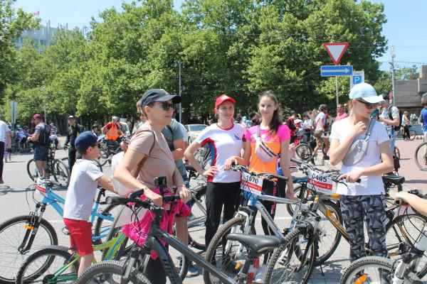 Тысячная велоколонна прокатилась по центру Севастополя 8