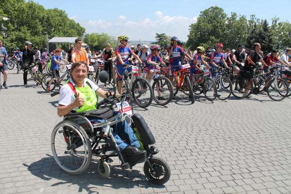 Тысячная велоколонна прокатилась по центру Севастополя 22