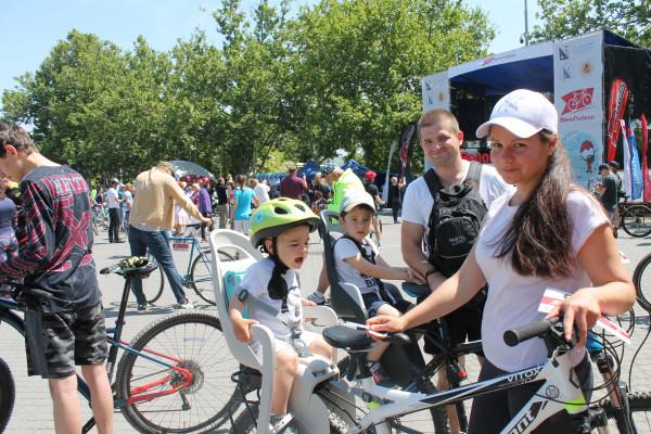 Тысячная велоколонна прокатилась по центру Севастополя 1