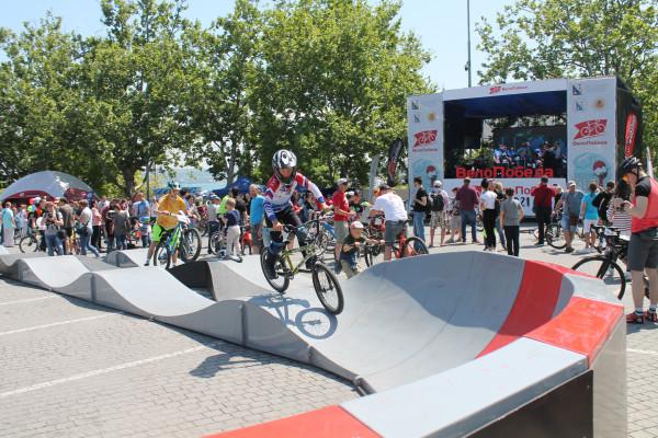 Тысячная велоколонна прокатилась по центру Севастополя 10