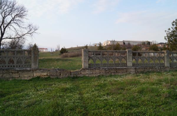 Старое заброшенное немецкое кладбище