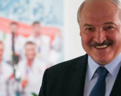 Лукашенко предложил Владимиру Путину подумать о том, как белорусы попадут в Крым