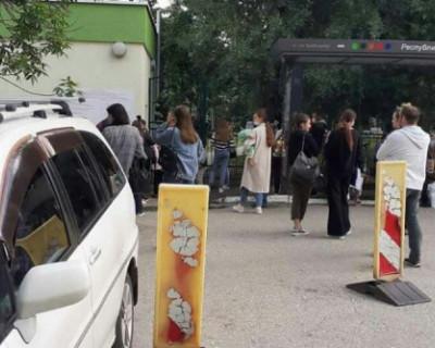 Злоумышленник заявил о минировании детской больницы в Симферополе