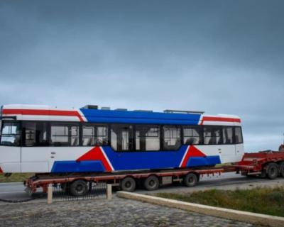 В Евпаторию привезли новые трамваи