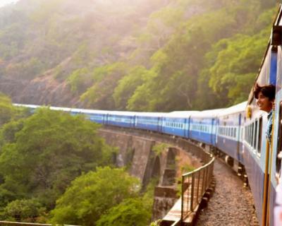Симферополь попал в топ-10 путешествий поездом на июньские праздники