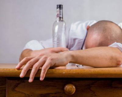 Полиция Севастополя предупреждает: «Не пейте с незнакомцами»