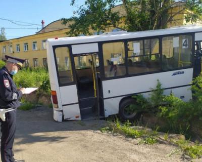 Страшное ДТП в Свердловской области: шесть погибших и 15 раненых