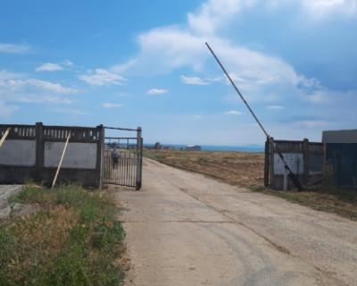 Власти Феодосии добиваются в суде остановки застройки пляжа