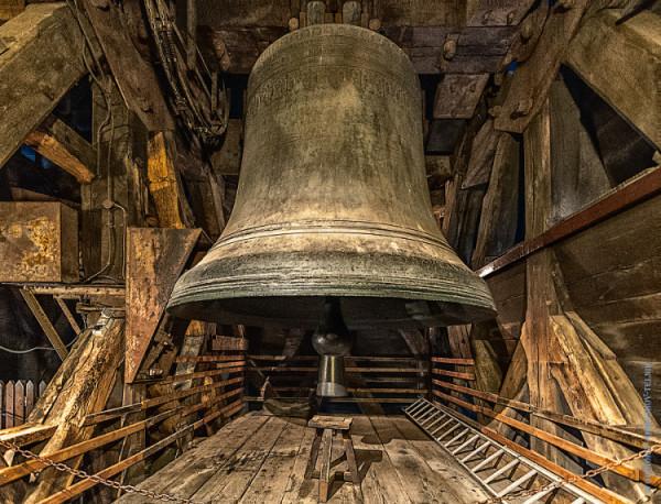 Колокола на башнях собора Парижской Богоматери