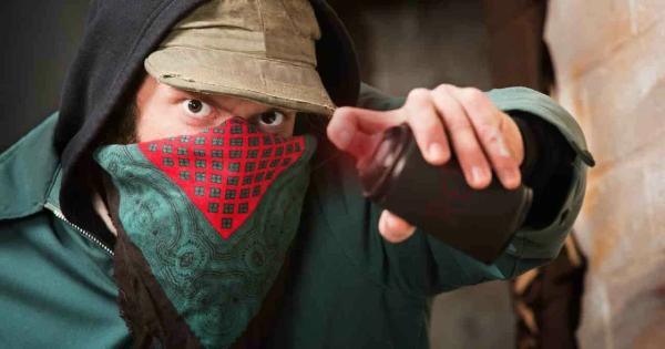 В Севастополе задержали вандала-экстремиста