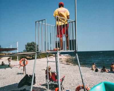 Спасатели Севастополя проверяют пляжи