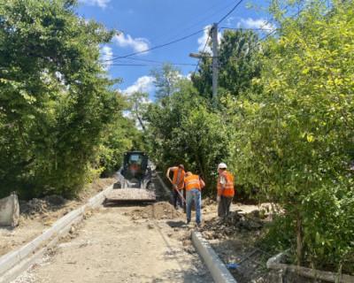 В Севастополе продолжается ремонт внутридворовых дорог