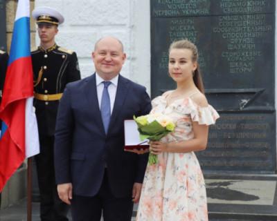 В Севастополе прошло награждение коллектива театра им. В.А. Елизарова