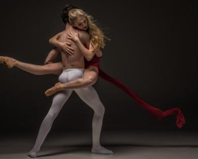 Театр танца имени Елизарова пригашает зрителей на премьеру