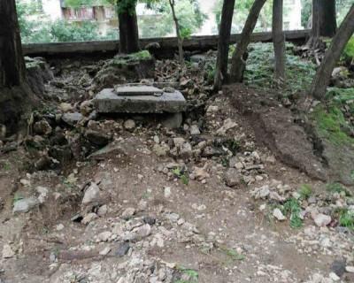 Опасный склон на проспекте Гагарина после ливня грозит серьёзными неприятностями