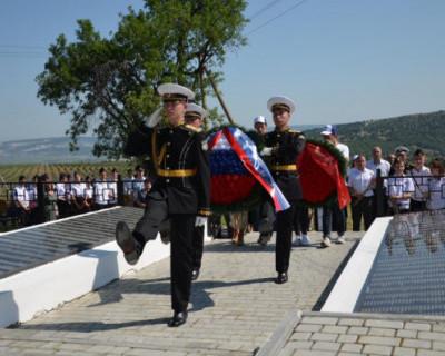 В Севастополе перезахоронили воинов, погибших во время обороны города в 1941-42 годах
