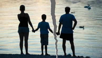 В Крыму чаще женятся или разводятся?
