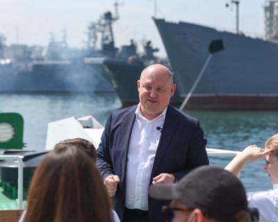 Губернатор Севастополя провёл экскурсию
