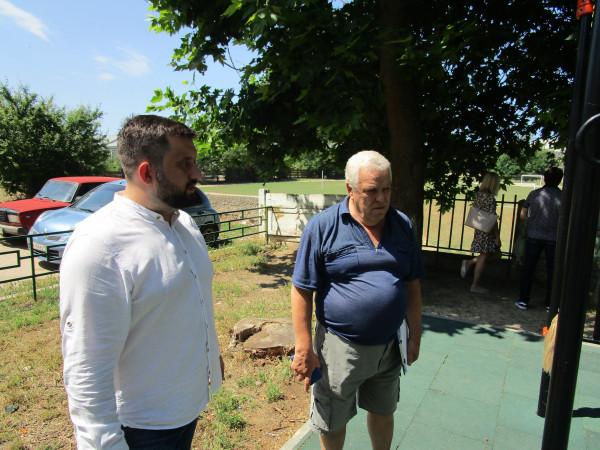 Севастопольский депутат Михаил Брицын обсудил с избирателями проблемы поселка Кача 2