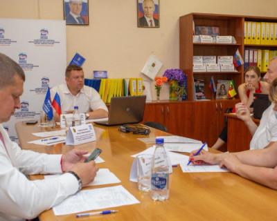 Вице-премьер Евгений Кабанов продолжает принимать крымчан и решать их проблемы