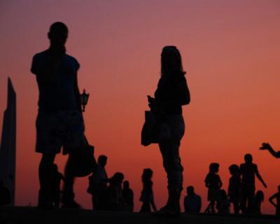 Малообеспеченные одинокие родители получат пособие на детей