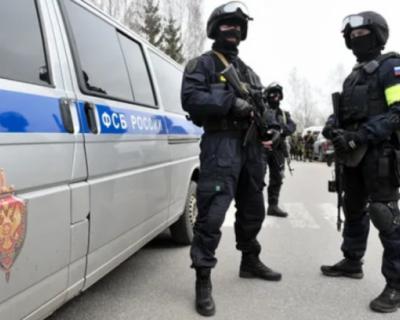 Сотрудники ФСБ поймали в Крыму высокопоставленных мошенников