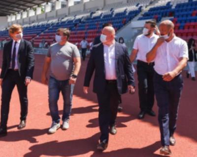 В Севастополе открылся реконструированный стадион имени 200-летия города