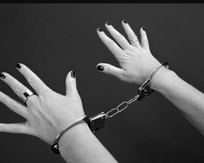 Инспектор отдела по вопросам миграции Алушты обвиняется в получении взяток