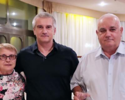Сергей Аксенов поздравил крымчан с Днем семьи, любви и верности
