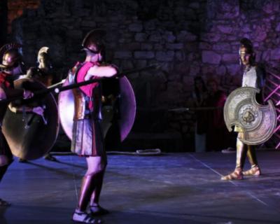 В Херсонесе впервые показали спектакль «Троянская война. Начало»