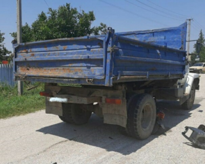 Водитель мопеда погиб при столкновении с грузовиком