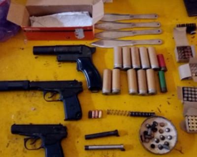 Склад оружия обнаружен в квартире у жителя Севастополя