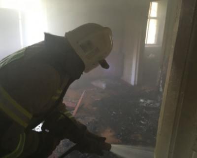 В Алуште загорелся многоэтажный дом