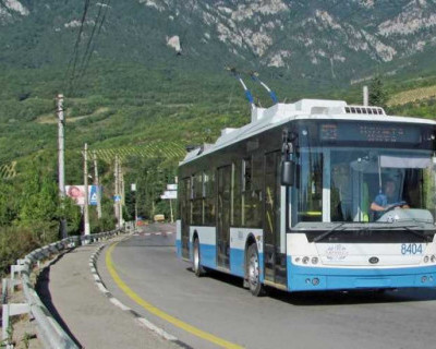 На самом длинном в мире троллейбусном маршруте «Симферополь–Ялта» появится экскурсовод