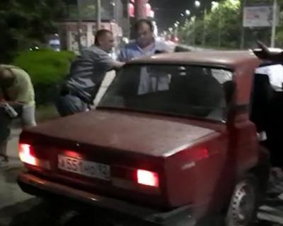 Автомобилист сбил трех человек в Севастополе