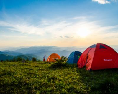 В Севастополе в одном месте можно ставить палатки, в другом — нет
