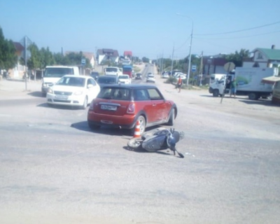 В Севастополе в ДТП пострадал водитель мопеда