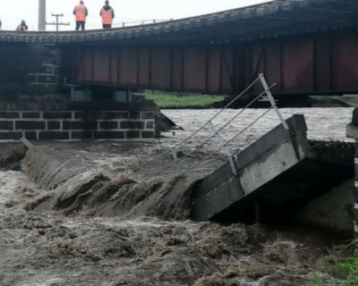 Путин поручил восстановить мост, связывающий Москву и Дальний Восток