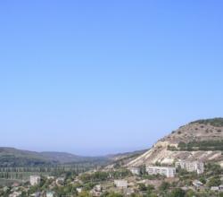 Мужчина упал со скалы в районе села Тыловое