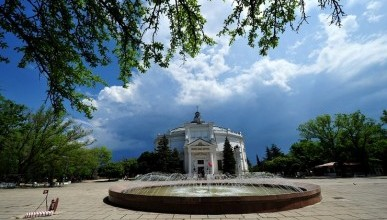 Мимо этих уютных мест в Севастополе точно НЕ пройдёшь «МИМО» ! (фото)