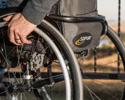 Туристы нахамили инвалиду в ресторане Керчи